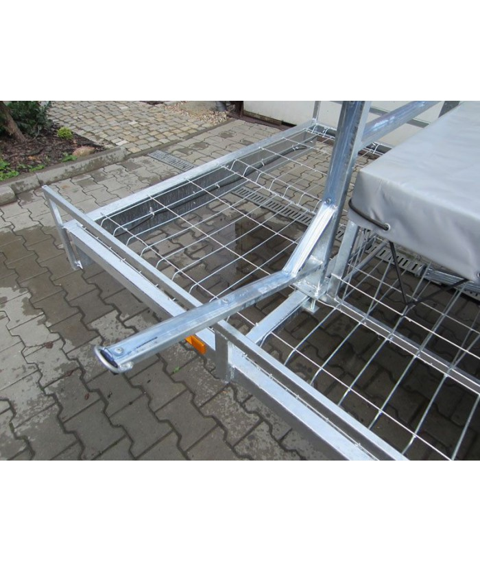Steel wire mesh flooring for MASTER-TECH trailers